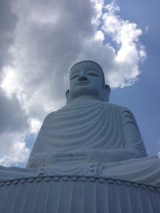 The 27m high buddha at the top of Ba Na Hill